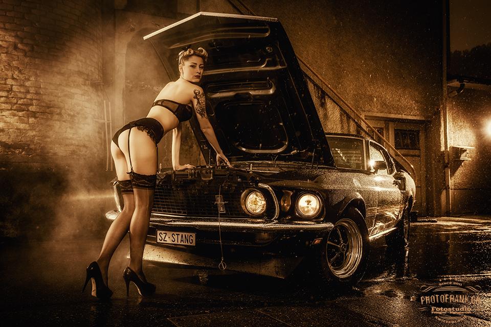 Pin Up/Car-Shooting mit Larissa